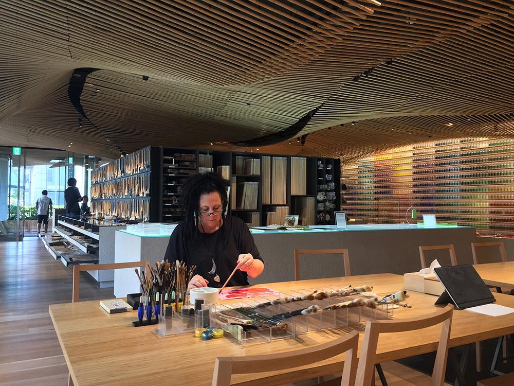 Cheryl Harrison Artist, Cheryl Harrison studio, Cheryl Harrison painter, Port Douglas Artist Studio, Port Douglas Artist, artist studio Port Douglas, Art in Port Douglas, Pigment, Pigment Tokyo, Artist pigment,